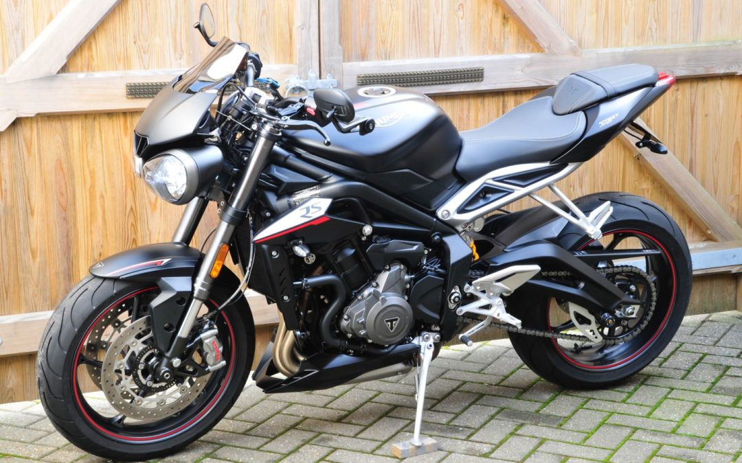 TRIUMPH STREET TRIPLE 765RS